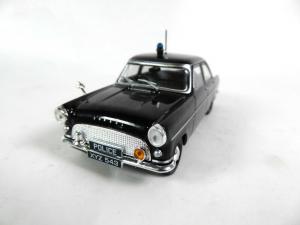 Macheta auto Ford Consul Mk2, politia britanica, scara 1:430
