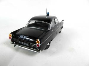 Macheta auto Ford Consul Mk2, politia britanica, scara 1:432