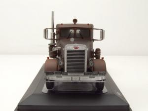 "Macheta cap tractor Peterbilt 281 ""ruginit"", scara 1:433"