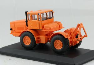 Macheta tractor Kirovets K-700, Rusia, scara 1:431