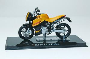 Macheta motocicleta KTM LC8 Duke, scara 1:241