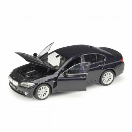 Macheta BMW 535i (F10), scara 1:241