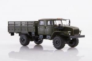 Macheta auto camion 4x4 dubla cabina Ural 43206-0551, scara 1:431