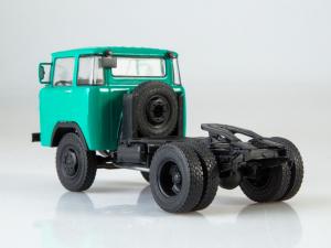 Macheta auto camion cap tractor KAZ-608 Kolhida, scara 1:432