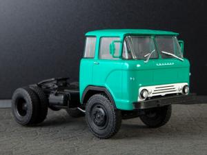 Macheta auto camion cap tractor KAZ-608 Kolhida, scara 1:430