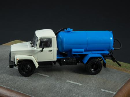 Macheta auto camion vidanja KO-503V (ZIL-3307), scara 1:43 [5]