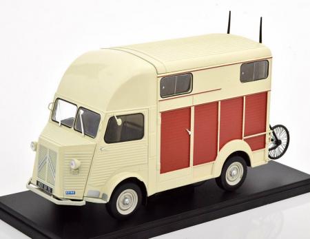 Macheta auto Citroen Type H Heuliez 1958 , scara 1:24 [0]