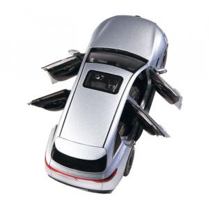 Macheta auto electrica Mercedes Benz ECQ cu lumini, scara 1:184