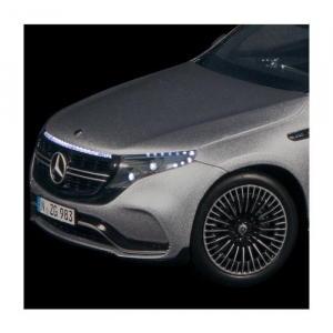 Macheta auto electrica Mercedes Benz ECQ cu lumini, scara 1:186