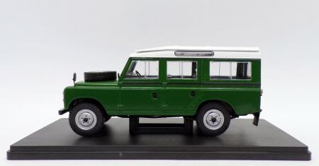 Macheta auto Land Rover Series III 109, scara 1:24 [2]