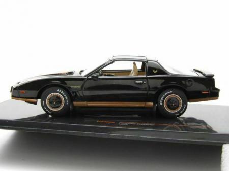 Macheta auto Pontiac Firebird Transam, scara 1:43 [2]