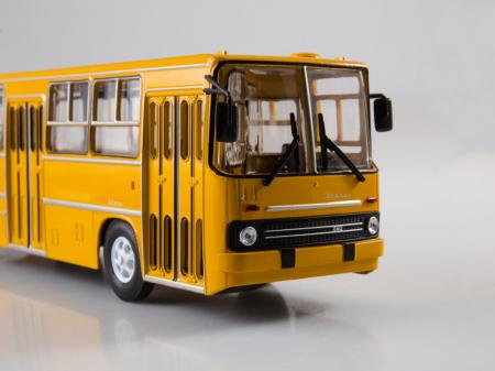 Macheta autobuz Ikarus 260, scara 1:435