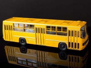 Macheta autobuz Ikarus 260, scara 1:434