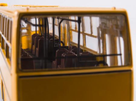 Macheta autobuz Ikarus 260 cu usi late, scara 1:434
