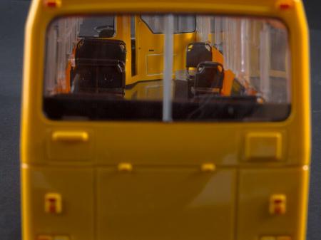 Macheta autobuz LAZ-4202, scara 1:436