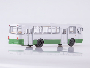 Macheta autobuz LiAZ 677m Moscova, scara 1:431