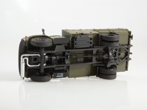 Macheta autopompa de combustibil pentru avioane PSG-160, scara 1:433