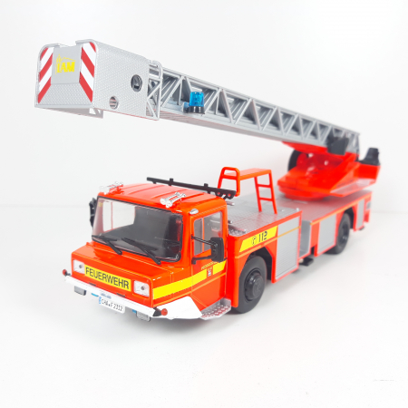 Macheta autoscara pompieri Iveco Magirus DLA-K, scara 1:43 [0]
