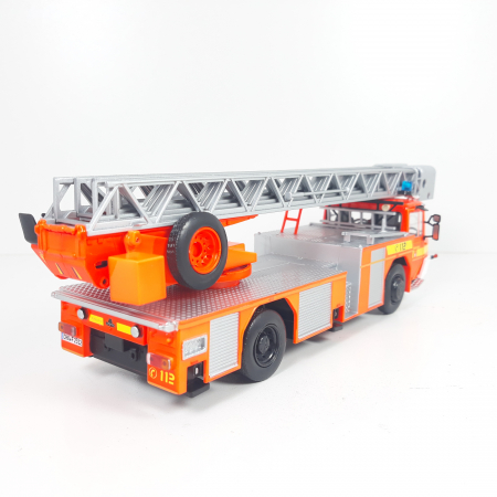 Macheta autoscara pompieri Iveco Magirus DLA-K, scara 1:43 [2]