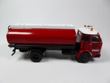 Macheta cisterna pompieri Pegaso Comet 1095, scara 1:43 [2]