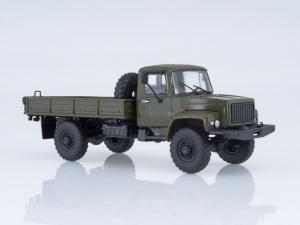 Macheta camion cu prelata GAZ-3308, scara 1:433
