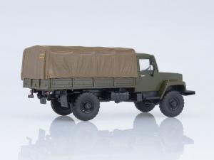 Macheta camion cu prelata GAZ-3308, scara 1:431