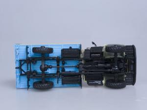 Macheta camion cu prelata GAZ 33081 4x4, scara 1:433