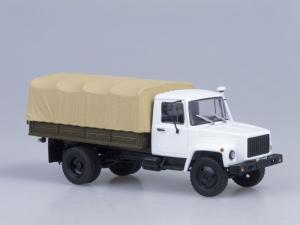 Macheta camion cu prelata GAZ 3309, scara 1:431