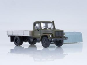 Macheta camion cu prelata GAZ-3309, scara 1:433
