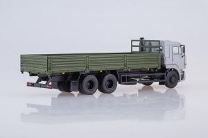 Macheta camion cu prelata Kamaz 65117, scara 1:431