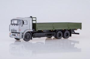 Macheta camion cu prelata Kamaz 65117, scara 1:430