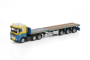 Macheta camion DAF XF105 cu trailer telescopic, scara 1:870