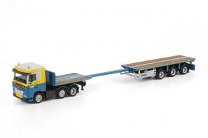 Macheta camion DAF XF105 cu trailer telescopic, scara 1:872