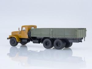 Macheta camion KRAZ 257B1, scara 1:431