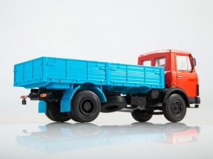 Macheta camion MAZ-5337, scara 1:432