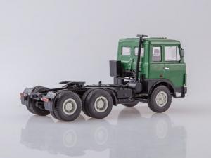 Macheta camion MAZ6422 cu semiremorca transcontainer MAZ928920, scara 1:433