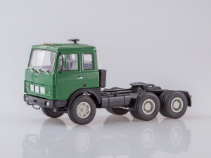 Macheta camion MAZ6422 cu semiremorca transcontainer MAZ928920, scara 1:432