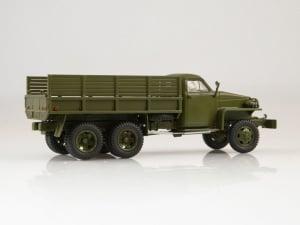 Macheta camion militar Studebaker 6x6 US6 U4, scara 1:433