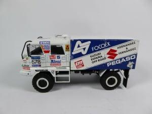 Macheta camion raliu Pegaso 3046 Dakar, scara 1:433