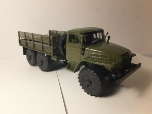 Macheta camion Ural375D, scara 1:431