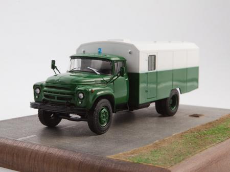 Macheta camion ZIL 130G duba de militie, scara 1:4323