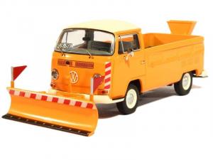 Macheta camioneta Volkswagen Transporter T2a cu plug si sarArita, scara 1:430