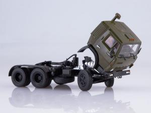 Macheta cap tractor Kamaz 54112 cu cimentruc, scara 1:437
