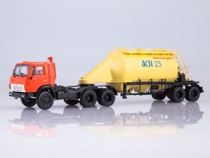 Macheta cap tractor Kamaz 54112 cu siloz de faina, scara 1:430
