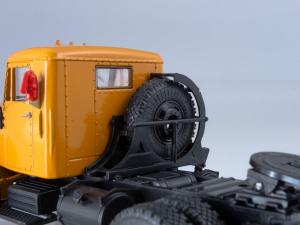 Macheta cap tractor Kraz 258B1, scara 1:432