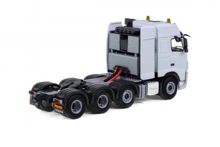 Macheta cap tractor Volvo FH3 Globtrotter 8x4, scara 1:50 [1]