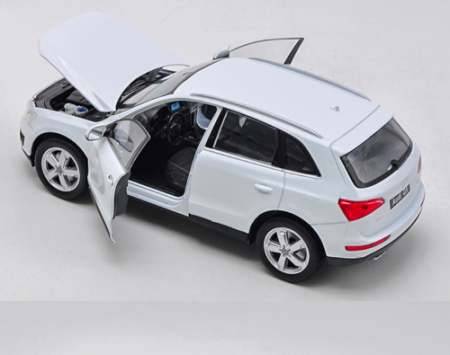 Macheta Audi Q5, scara 1:242