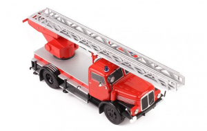 Macheta masina pompieri IFA S4000DI, scara 1:431