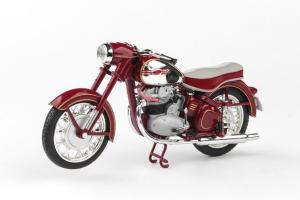 Macheta motocicleta Jawa 500 OHC 1:180