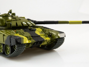 Macheta tanc rusesc T-72B3, scara 1:432